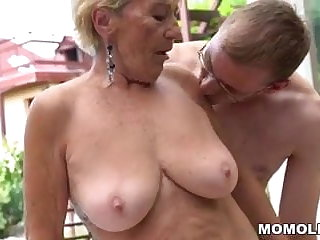 Granny hairy pussy on young gumshoe