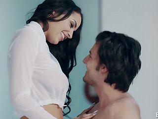 Skinny brunette bombshell Sofi Ryan rides cock for cum