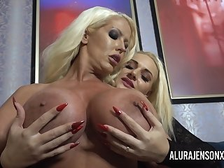 Dolly Fox licks and fucks Alura Jenson with toys until she has a breathtaking orgasm!