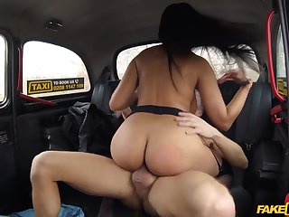 Tanned Latina MILF Katrina Moreno get banged apropos cab