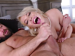 Pink-lipped beauty Tiffany Fox gets her sexual fix in a special way