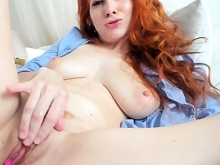 One of a kind close roughly masturbation of a off colour redhead