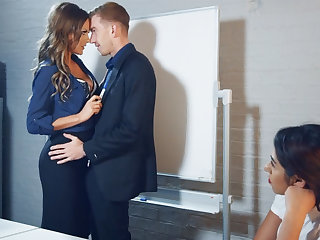 New boss can't resist of employee's huge dick